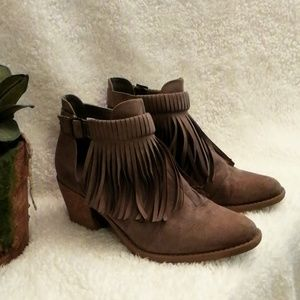 Maurice's Fringed light brown Bootie